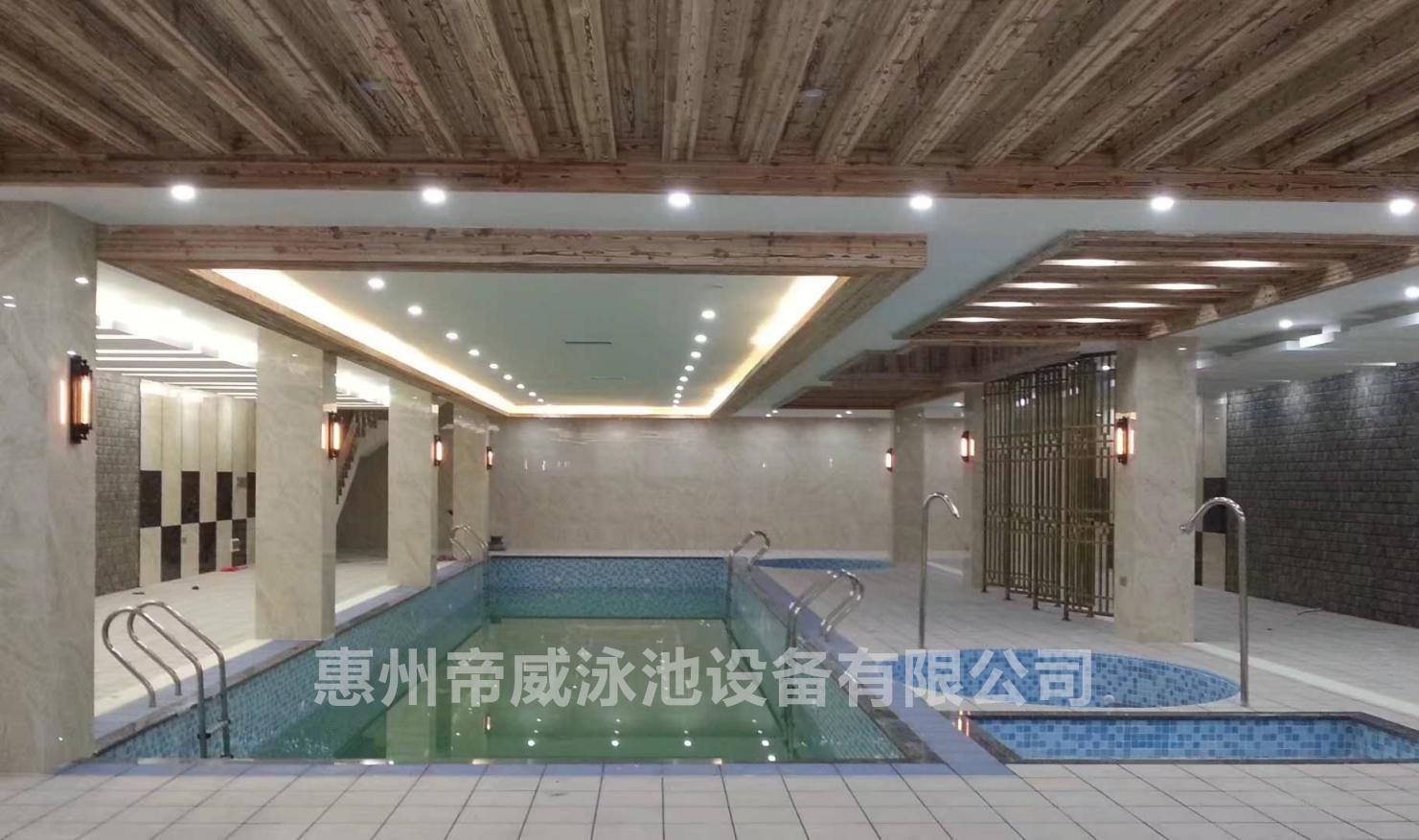 別墅游泳池設備